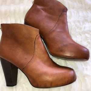 STEVE MADDEN VINTAGE LOOK LEATHER BOOTS SIZE 8